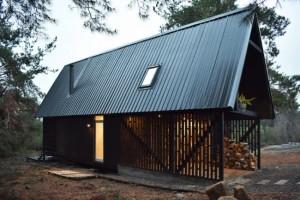 1-Casa R Felipe Lagos construita in Patagonia structura de otel