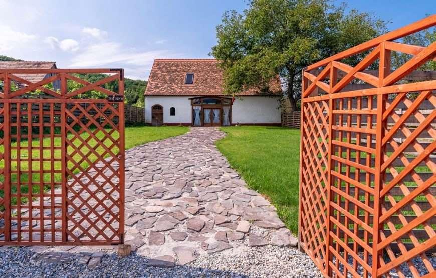 1-Sura-Sasului-cazare-Amnas-Sibiu