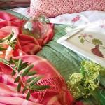 1-accente decorative de culoare verde si roz dormitor amenajat in stil toscan