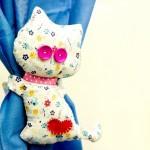 Accesorii DIY in forma de pisica pentru prinderea perdelelor si draperiilor