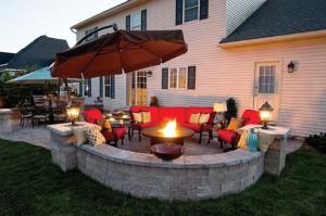 1-amenajare zona relaxare gradina in jurul focului de tabara decorativ