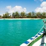 1-apele turcoaz ale Oceanului Indian pe tarmul insulei Vamizi