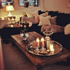 1-aranjament decoraiv cu lumanari pe masuta de cafea din living