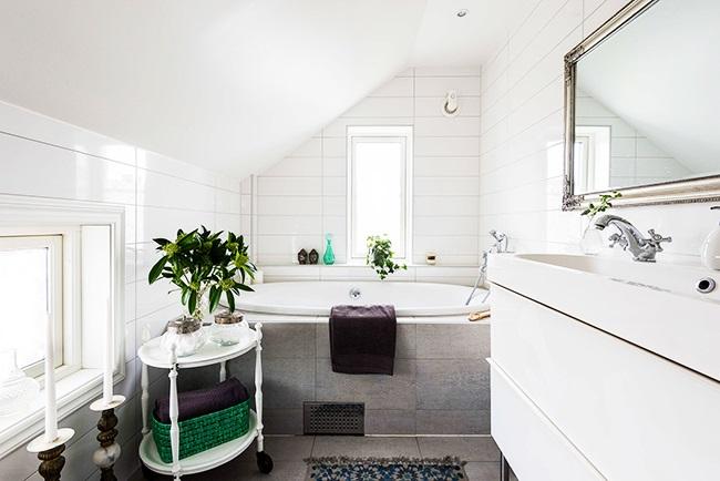 1-baie mansarda amenajata in stil scandinav