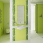 1-baie moderna vernil brau decorativ vertical decor perete lavoar si oglinda