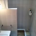 1-baie retro renovata cabina de dus turcesc