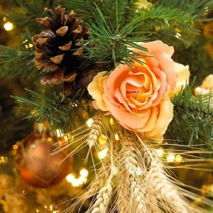 1-brad de Craciun rustic modern decorat cu flori conuri si spice de grau