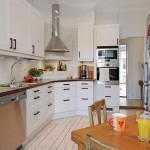 1-bucatarie suedeza moderna cu accente rustice mobila pe colt