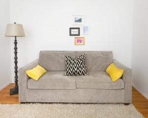 1-canapea gri inainte de a fi pusa in valoare