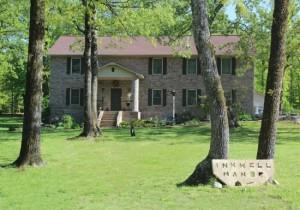 1-casa Inkwell Manor construita de Cara Brookins si copiii sai