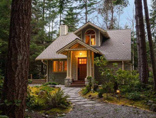 1-casa cu acoperis si fatada in ton cu mediul inconjurator