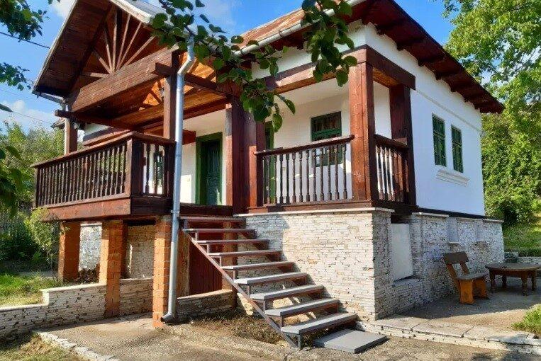 casa taraneasca Arges temelie piatra 30 mii euro