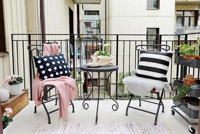 1 Decor Balcon Mic Amenajat In Stil Scandinav Casadex Case