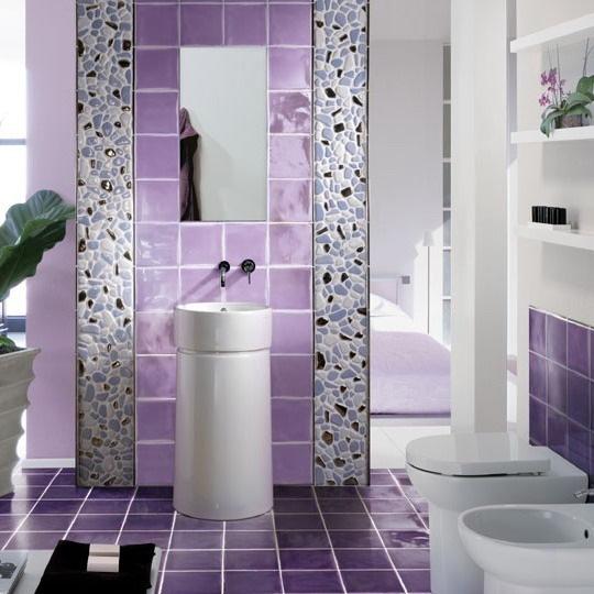 1-decor faianta mov decor brau vertical piatra naturala lavoar si oglinda baie