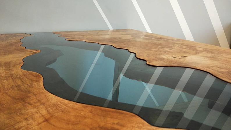 detaliu imbinare lemn cu rasina epoxidica masa