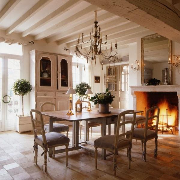 1-dining interior casa veche in stil Provence din Franta