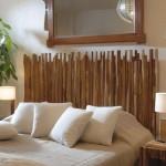 1-dormitor cu mobilier din lemn si plante verzi