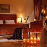 1-dormitor decorat romantic cu lumanari de ziua indragostitilor