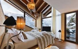 1-dormitor modern cu accente rustice amenajat in ton cu iarna