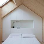 1-dulapuri inchise proiectate pe peretele de la capul patului