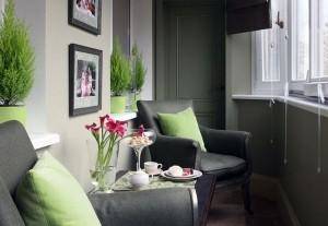 1-exemplu amenajare colt de baut cafeaua in balcon mic