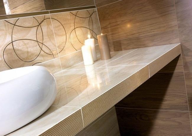1-exemplu combinatie faianta nuante de bej si maro decor baie moderna