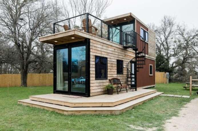 1-exterior-casa-mica-2-containere-suprapuse