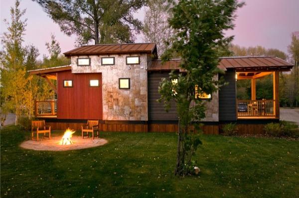 1-exterior casa mica din lemn 37 mp cu mansarda