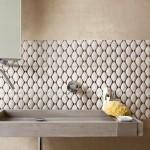 1-faianta moderna cu imprimeu geometric decor perete baie