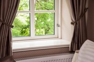 1-ferestre decorate cu draperii fara perdele amenajare moderna