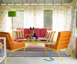 1-foisor amenajat si decorat cu mobilier si accesorii colorate
