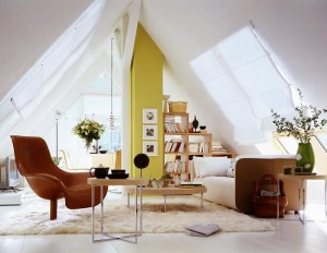 1-fotoliu maro decor living minimalist alb cu accente ocru