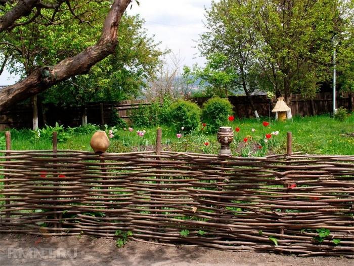 gard rustic impletit delimitare gradina