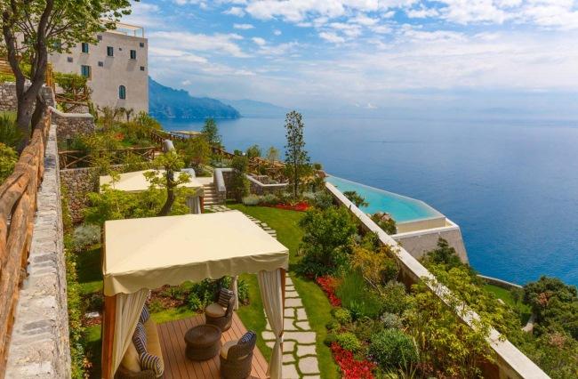 1-gradina si piscina infinity hotel spa manastire santa rosa amalfi italia