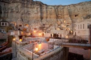 Minivacanta de 1 Mai 2014: hotelul sapat intr-o stanca din Cappadocia, Turcia