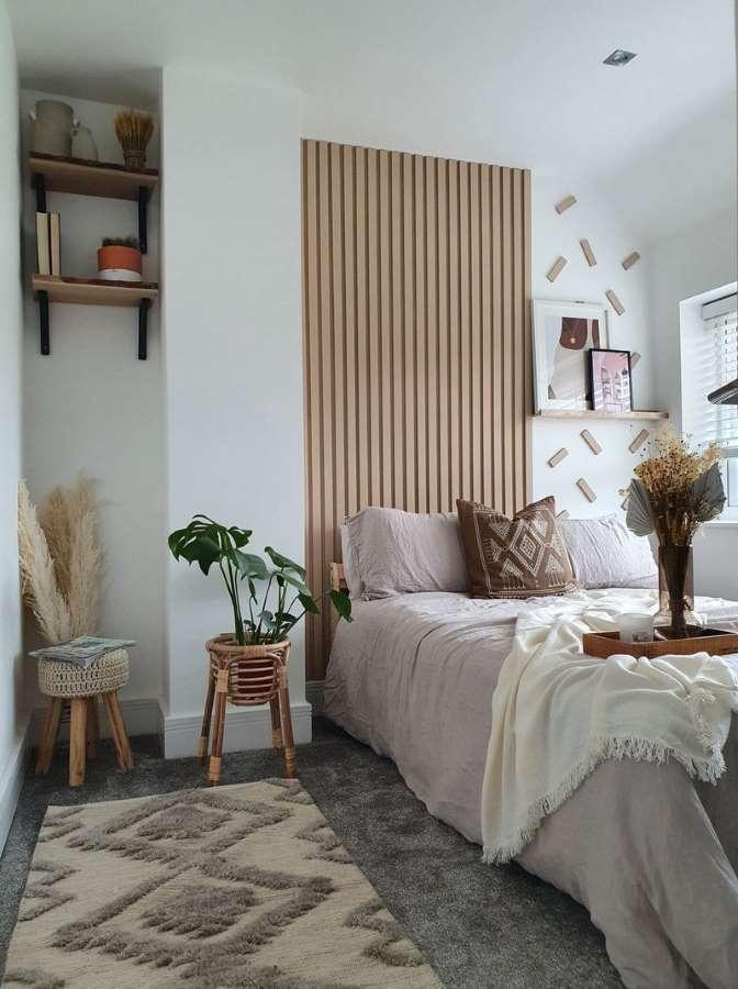 1-idee-amenajare-dormitor-stalp-2-nise-perete
