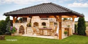 1-idee constructie bucatarie de vara mare cu loc de luat masa in foisor