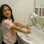 1-lavoar mare cu robinet flexibil in baile din casele japonezilor
