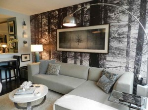 1-living modern perete decorat cu fototapet padure alb negru