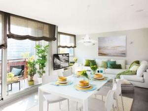 1-living si bcuatarie open space cu ferestre foarte mari