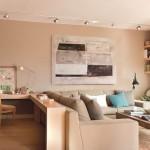 1-living si birou apartament modern amenajat in nuante de bej si maro