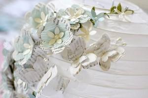 1-lustra 3D decorata cu floricele din hartie handmade