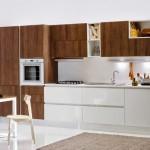 Invata sa combini furnirul de lemn din compozitia mobilierului de bucatarie