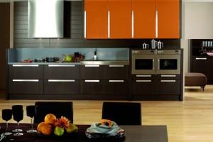 1-mobila wenge cu portocaliu amenajare bucatarie moderna
