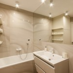 1-model amenajare baie moderna culori pastelate