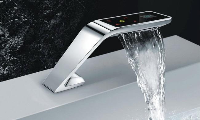 1-model baierie lavoar cu senzor economisire apa baie