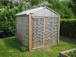 1-model solar mic structura lemn pereti din peturi de plastic goale