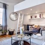 1-pat construit pe o platforma deasupra canapelei din living