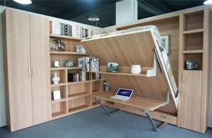 1-pat rabatabil integrat in biblioteca din living