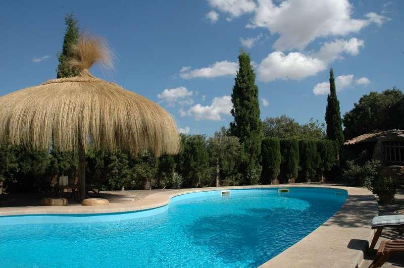 1-piscina-domeniu-Mallorca-Spania